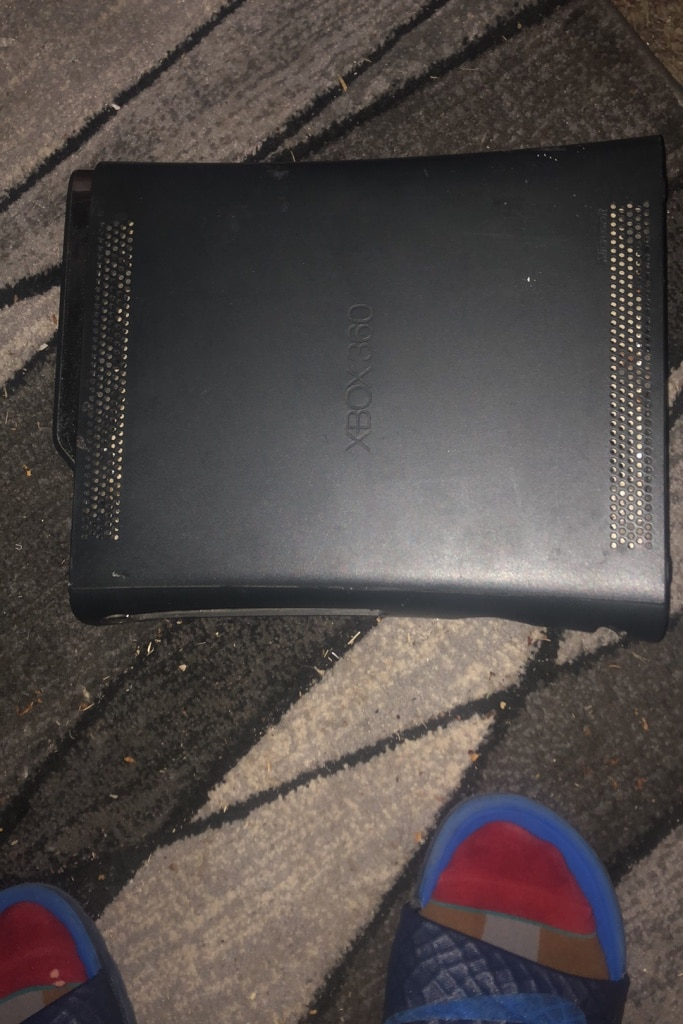 Photo XBOX 360 120gb the only thing is i dont have chords