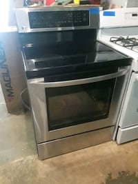 Lg stainless steel stove  Baltimore, 21223