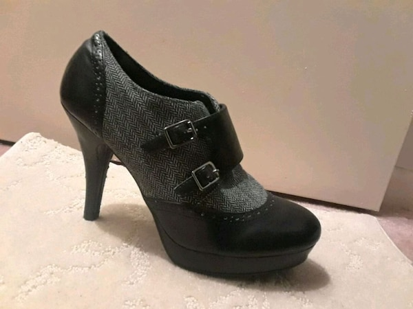 Black and gray leather platform high heel