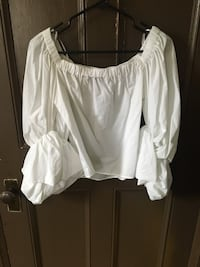 Zara Off-the-Shoulder Top- Size Small Toronto, M6G