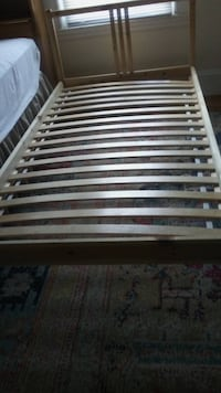 Twin size mattress frame (can come with twin mattress) Boston