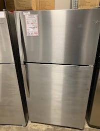"❥New whirlpool 33"" stainless fridge - Seaford"