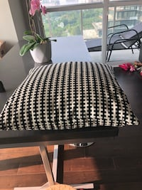 White and black houndstooth print decorated pillow Toronto, M8V 1A1