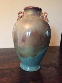"Beautiful vase, 14"" Tall X 4""  around the top , great Condition  Elizabethton, 37643"