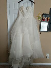 Size 18 wedding offwhite wedding dress Dunn, 28334