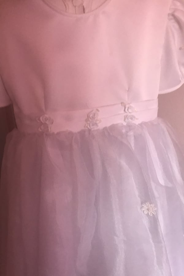 Beautiful White communion or flower girl Dress beb8370a-a965-4922-9201-cbcb7f55f750