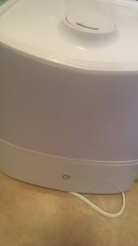 Electric Humidifier. Like new. Hardly used. Kingston, K7M 6Y6
