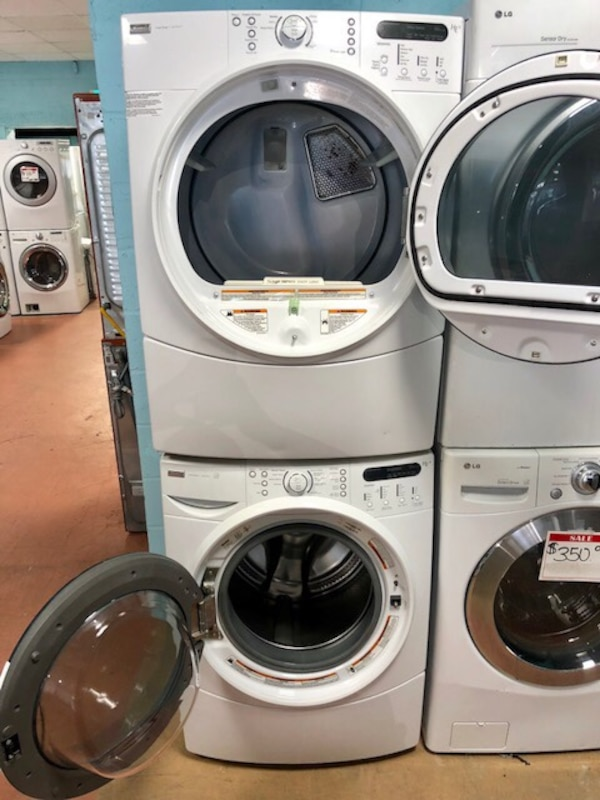 Kenmore Front load washer and electric dryer set 52947713-ff8b-459f-b7d2-b39440fedf5a