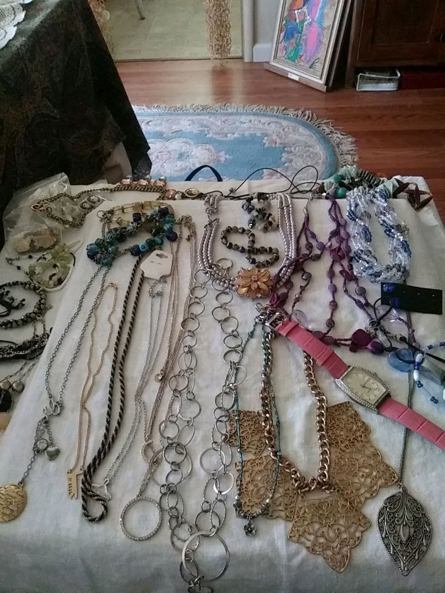 Photo Lot of Assorted Costume Jewelry