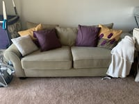 Couch Full Size- pull out bed Cincinnati