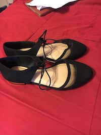 pair of black leather pointed-toe flats Hollister, 95023