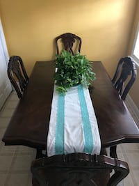 Table with 6 chairs and extra leaf Bogart, 30622