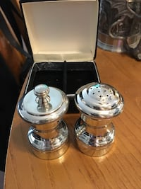Reduced! Salt & Pepper shakers Burnaby, V3J