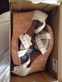 Toms open toe wedges sandals brand new in box