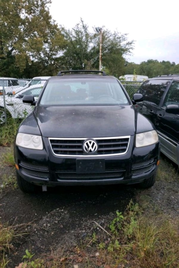 2004 Volkswagen Touareg for parts d18be59a-5f54-44c3-a868-22cf6130db07