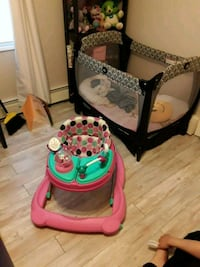 baby's pink and black bouncer Warwick, 02889