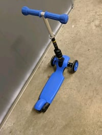 3 wheel scooter with seat option  Mississauga, L5N 1X7
