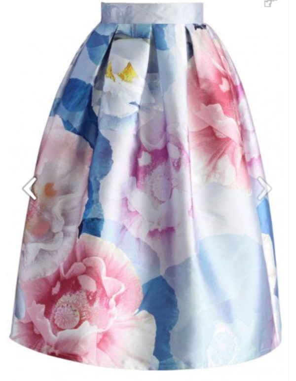 Gorgeous watercolour skirt size small  ab321e30-2810-4183-884d-bc6e2e5faf3e