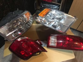 Dodge Ram 1500 head lights and tail lights like brand new this factory