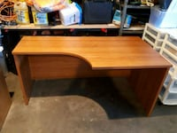 Beautiful curved desk with no drawers  Edmonton, T6W 1J3