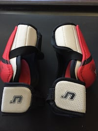 Medium CCM hockey elbow pads Vancouver, V6P