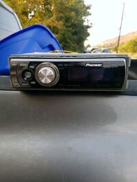 black 1-DIN car stereo head unit Kelowna