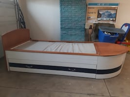 Boat Bed w/ drawer