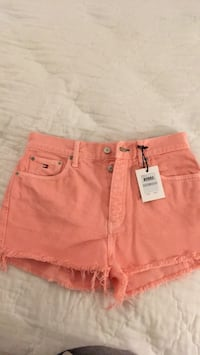 women's pink denim shorts Moreno Valley, 92551