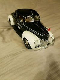 white and black coupe die-cast model Charles Town, 25414