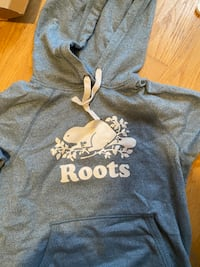 Good condition roots hoodie (size small)