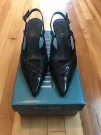 Black Leather Shoes/ Size 7(Worth 100) Souliers noir en cuir Montreal, H2P 2B1