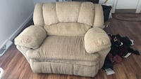 Gray fabric recliner sofa chair West Des Moines, 50265