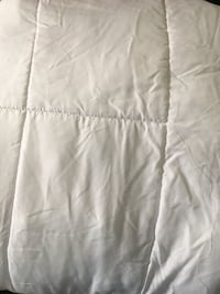 Full/Double duvet Windsor, N8X 1S2
