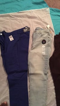 Two new pair of jeans. Aeropostale and Refuge Yuma, 85364