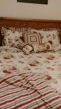 white and red floral bed comforter Gaithersburg, 20878