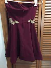 Juniors size 0 burgundy & gold homecoming dress Spring Hill, 34609