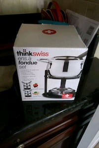 Brand new in box fondue set