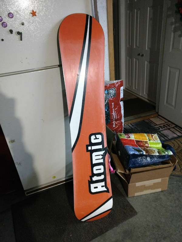 d30fb5c3752 Used PRICE DROP! Atomic mugshot snowboard for sale in Manchester - letgo