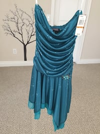 BNWT XOXO knee-length dress in teal - size Small Halton Hills, L7G 0B4