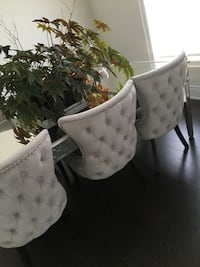 Absolutely gorgeous tufted chairs - Brand New! Brampton, L6X 5P3
