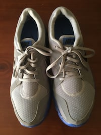 Shoes Nike size 10/5 new never used  Bloomingdale