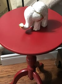 Round red and white wooden pedestal table Kingston, K7P 7E6