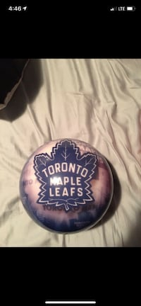 Maple leafs bowling ball Toronto, M8W 0A4