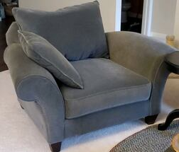 Rowe Sofa and Chair Set