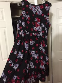 New black floral dress size M/L Toronto, M1M 2P6