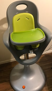 Boon Flair Pneumatic Pedistal High Chair in Gray/Green. Great Condition! BEST HIGH CHAIR EVER! Pumps up and down, Easily moves wherever you need it Glendale, 85302