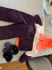 Size 4t kids snowsuit and boots Mississauga, L5M 6E2
