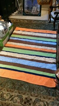 4 X 6 area rug vibrant colors