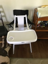 White high chair  Fort Campbell, 42223