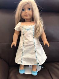 American Girl doll with display stand  2063 mi